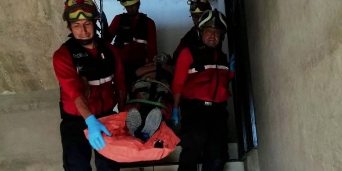 Quito: Hombre cayó desde una altura de 3 metros en el sector Carapungo