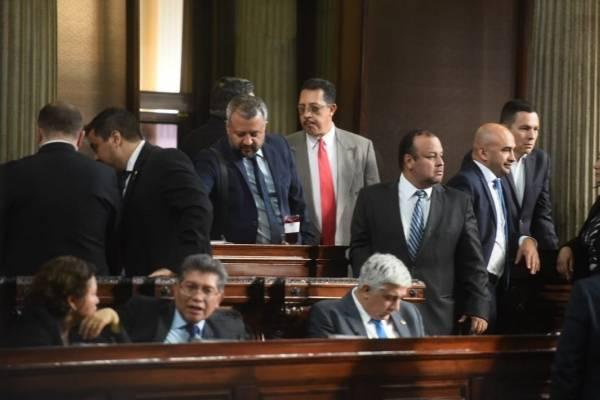 Los congresistas decidieron avanzar en el tercer debate del presupuesto.