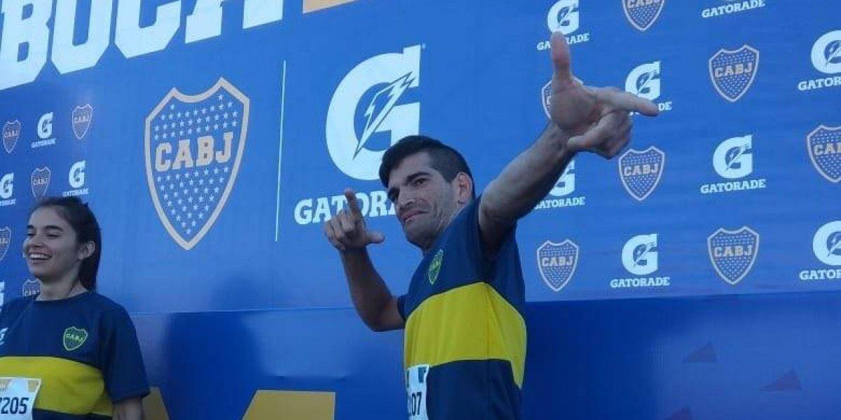 Con parálisis cerebral, atleta corre el maratón de Boca Jrs.