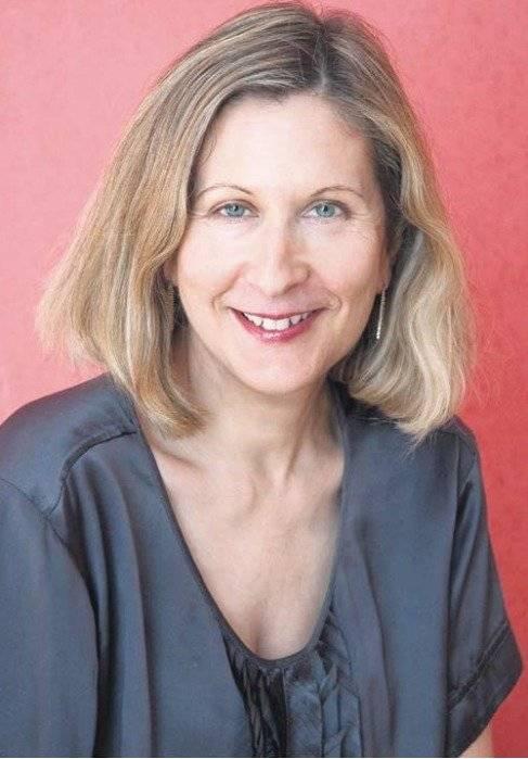 Geraldine Van Bueren, Profesora de derecho internacional de los derechos humanos en la Universidad Queen Mary de Londres.