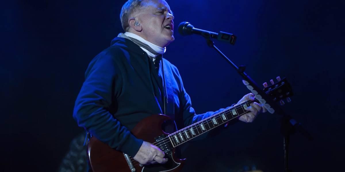 New Order llena de recuerdos a su audiencia a través de sus canciones