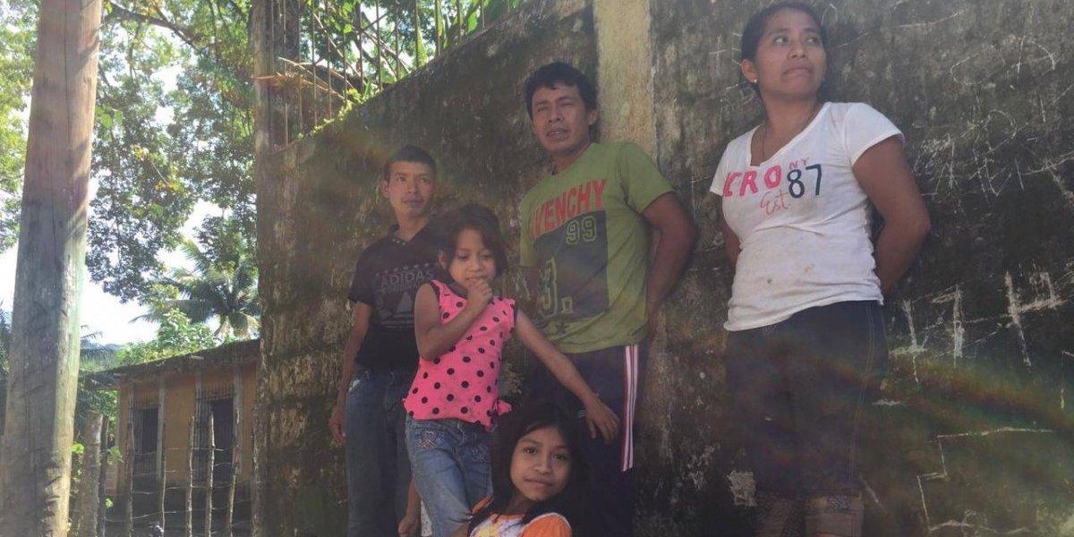 Padre de familia pide apoyo del Ejército para cuidar pertenencias