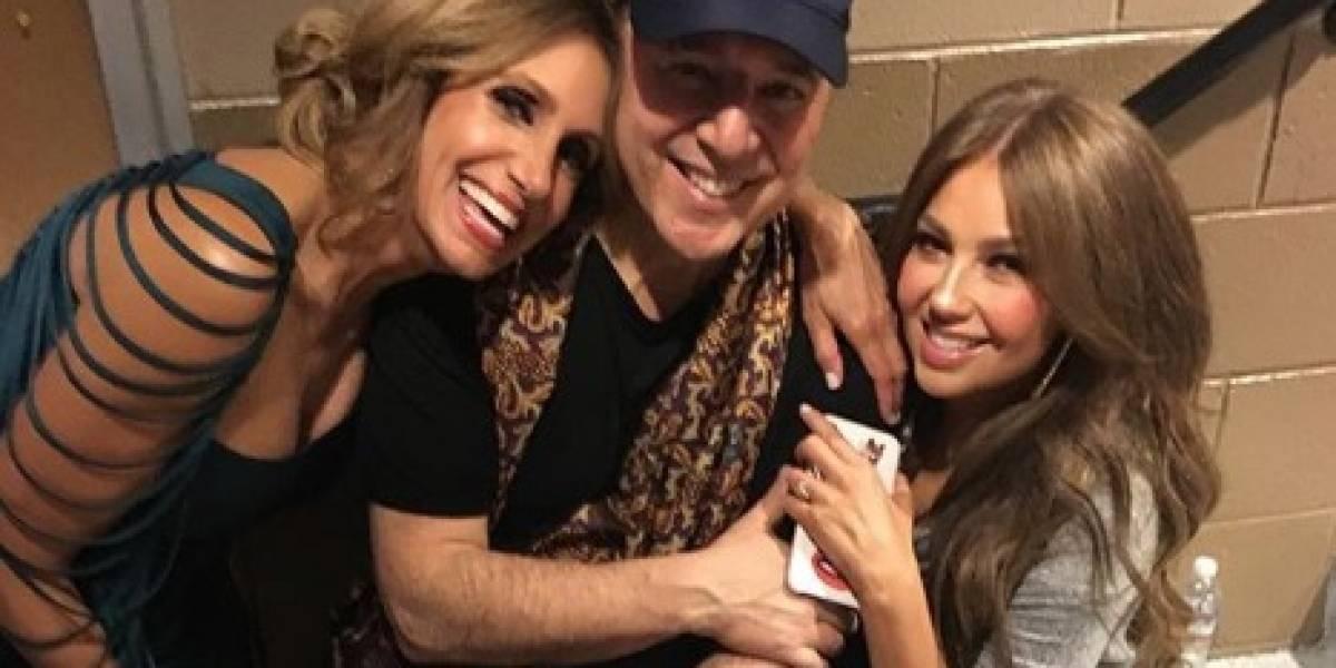 Critican a Lili Estefan por sentarse en las piernas de esposo de Thalía