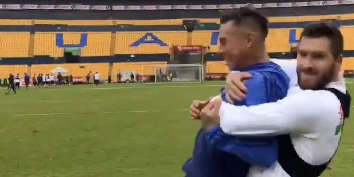VIDEO: Gignac y Vargas se enfrascan en una pelea frente a su público
