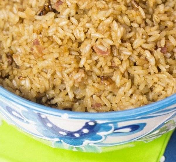 arroz con cebolla y tocineta