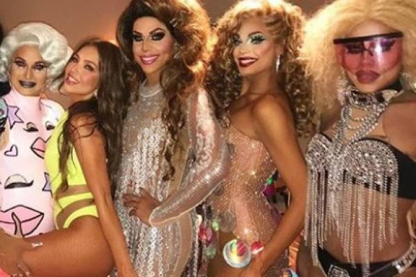 Thalia y drag queens latina