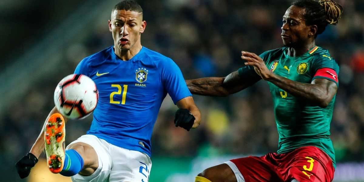 Substituto de Neymar, Richarlison marca e garante vitória do Brasil na Inglaterra