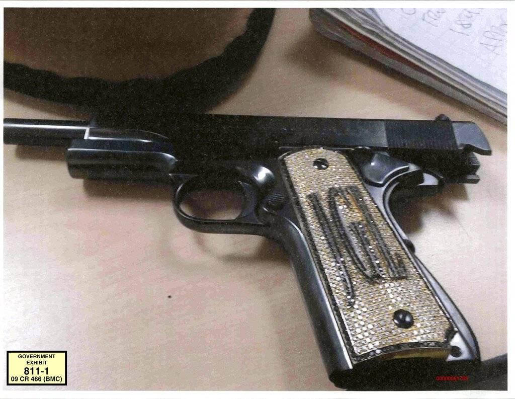 Chapo´s gun. AP