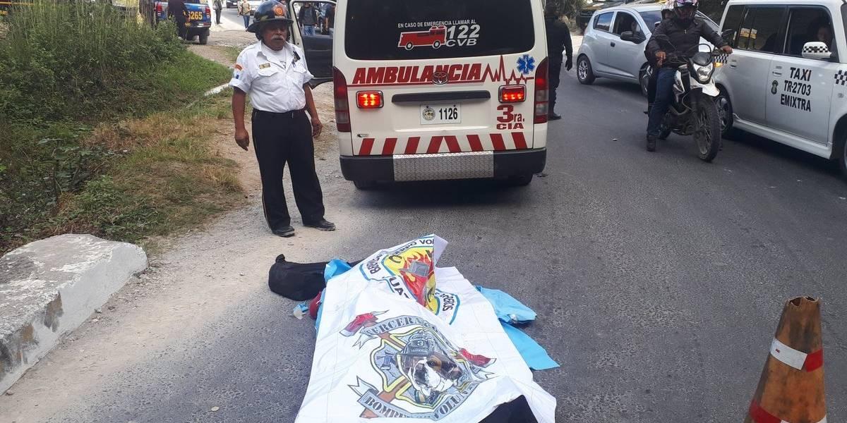 Pasajero muere al caer de bus en marcha en Ciudad Quetzal