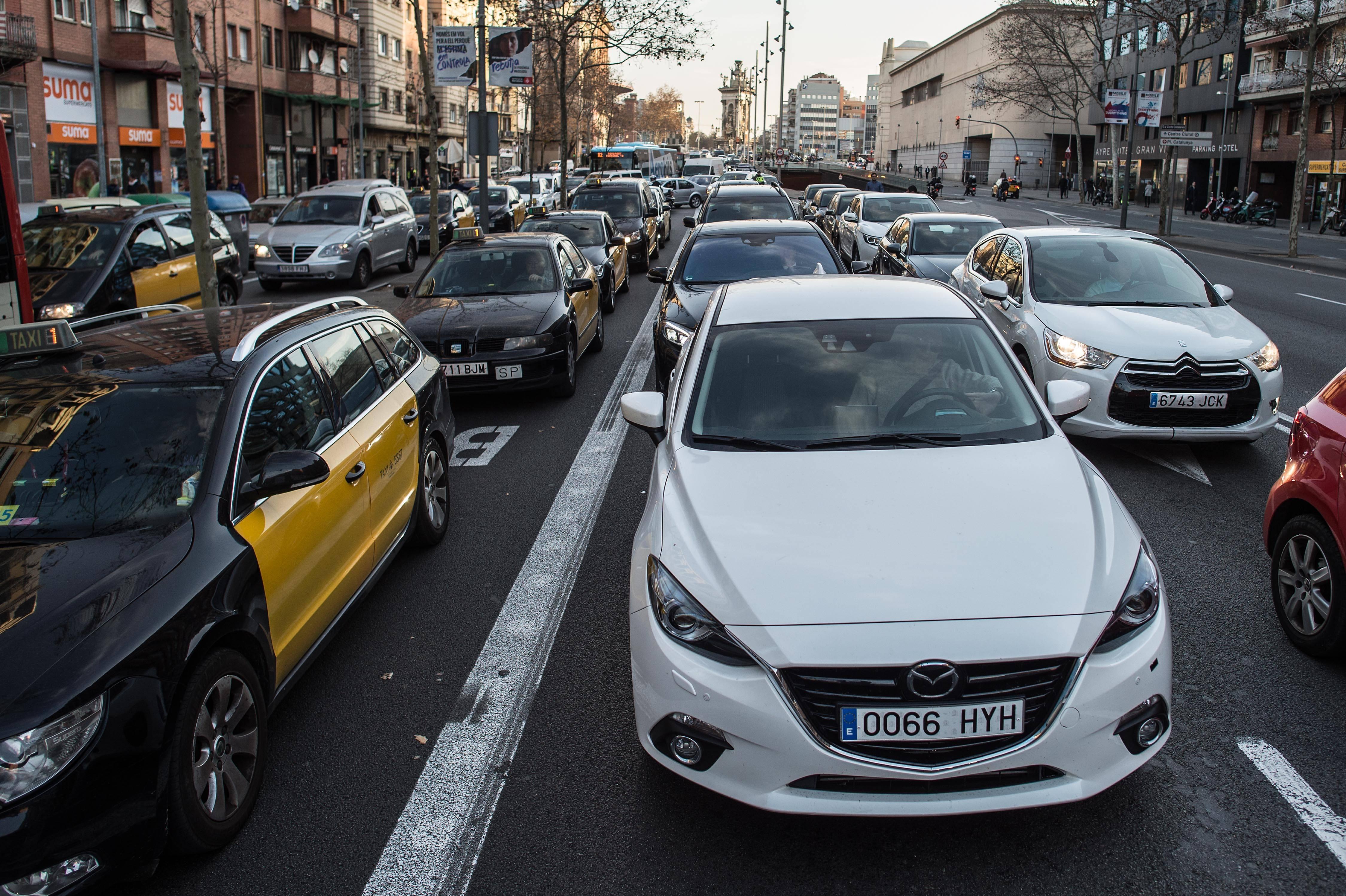 Unos pocos carros autónomos serían suficientes para acabar con la congestión vehicular en las carreteras
