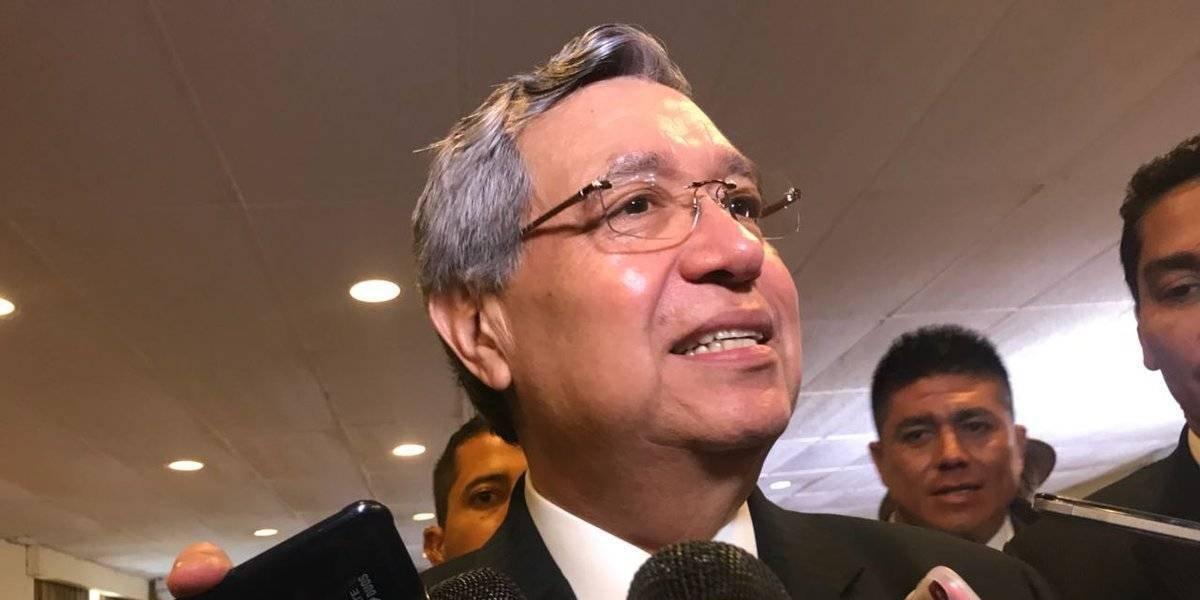 """Vicepresidente califica como """"aberración legal"""" la no inscripción de su hijo como candidato"""