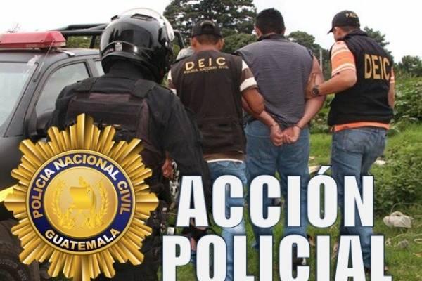 Hombre detenido en Cobán