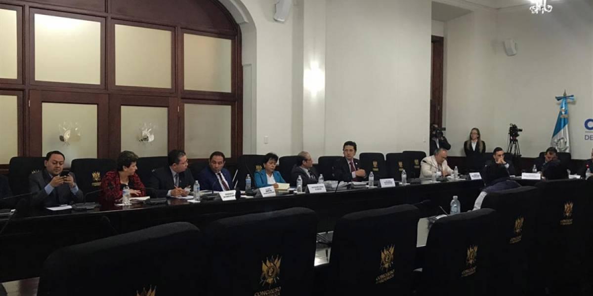 Mesa técnica disminuye recursos a 5 ministerios para asignar fondos a la USAC