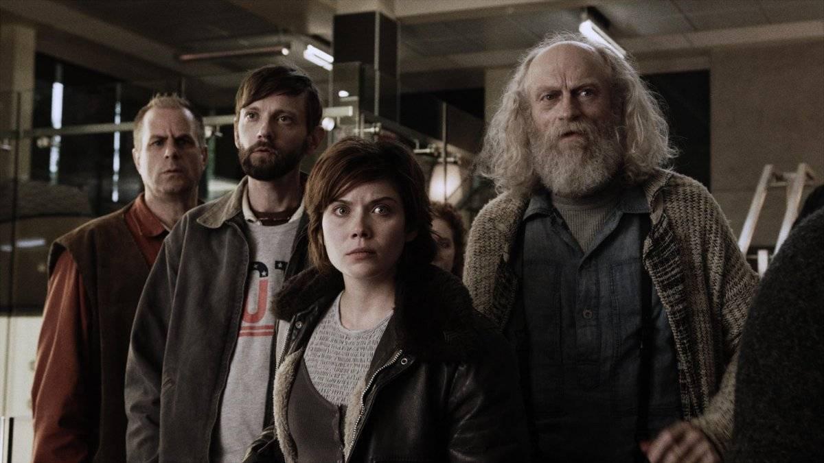 En Z Nation, el grupo intenta establecer una democracia con los sobrevivientes en Nuevamérica, pero primero deberá lidiar con la evolución de los zombis, que ahora hablan. Netflix