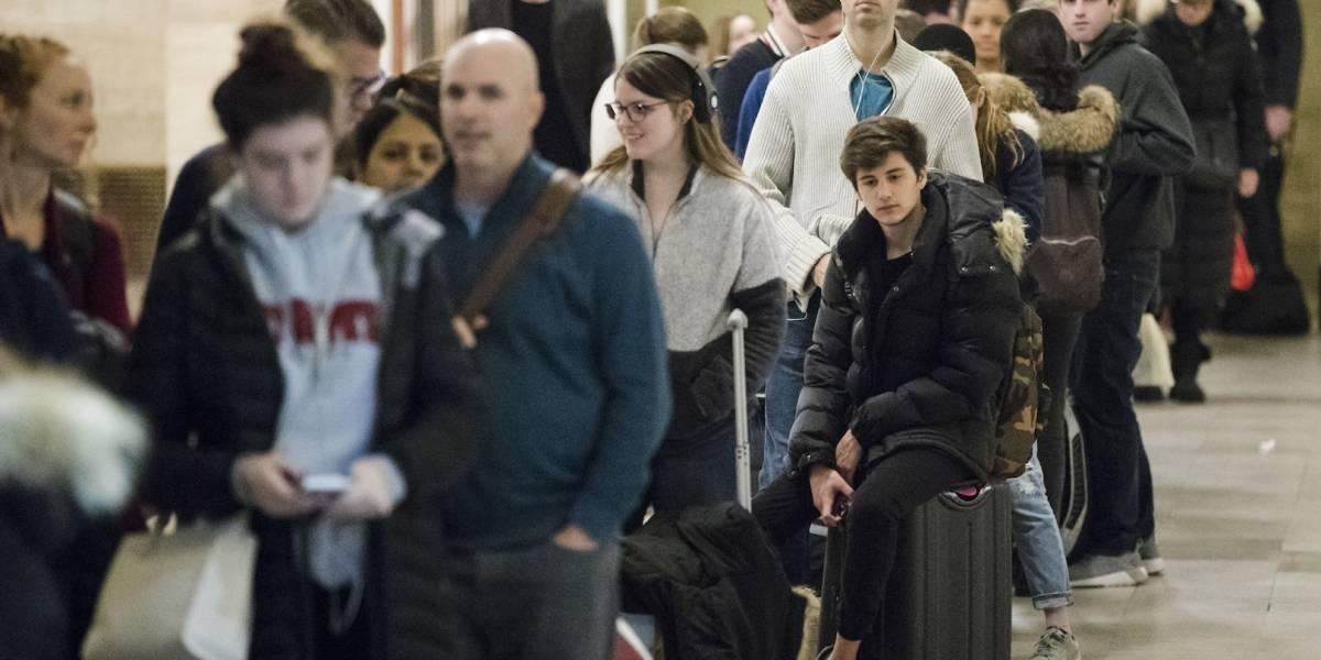 Más de 54 millones de estadounidenses viajan por el Día de Acción de Gracias