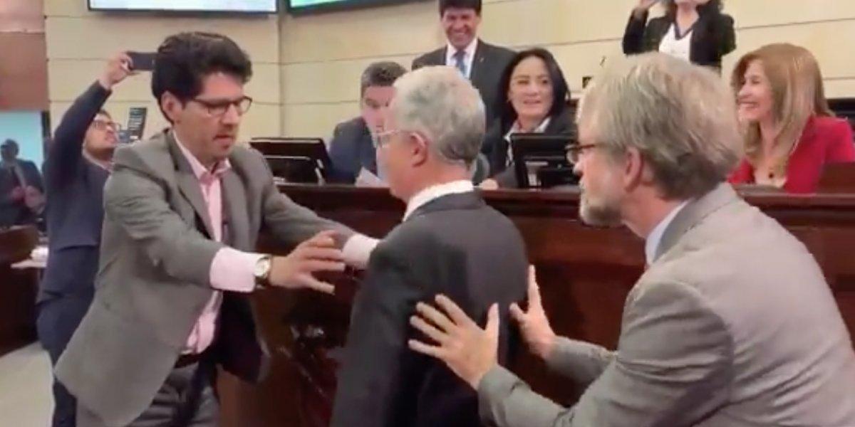 El ejemplo pedagógico que le dio Mockus a Álvaro Uribe y Alberto Castilla