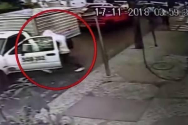 Ladrones aprovecharon que dos hombres estaban peleando para robarlos