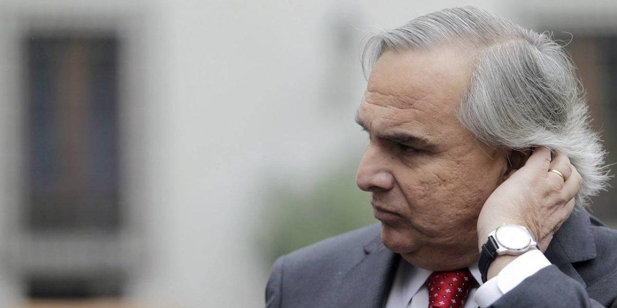 """Caso Catrillanca """"demolió"""" al ministro del Interior: estudio destaca alto rechazo a Chadwick en Twitter"""
