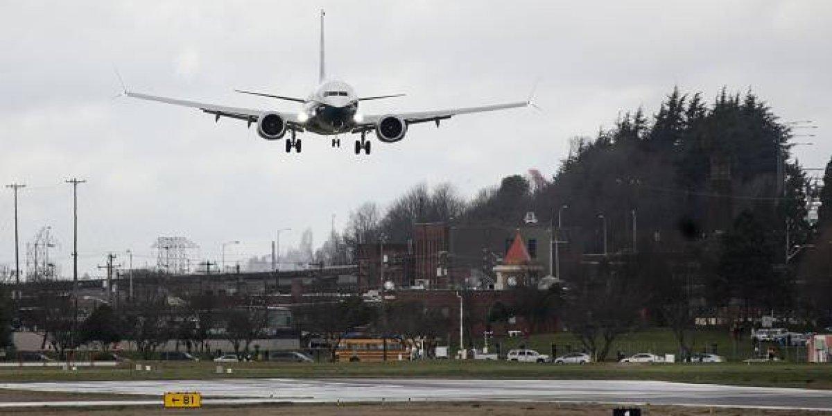 Terrible e insólito: hombre escapaba de la deportación y murió atropellado por un enorme Boeing 737