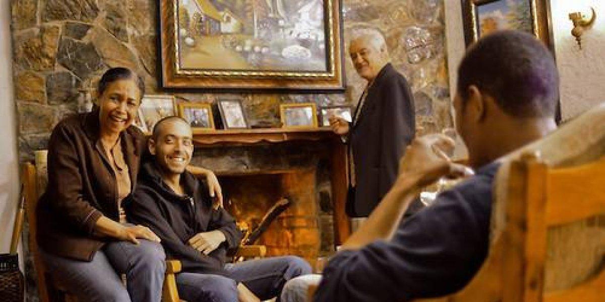 Distribuidora estadounidense adquiere película La Familia Reyna