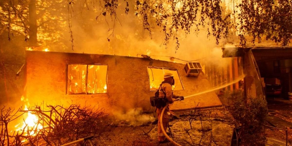 Piden muestras de ADN a familiares de víctimas de incendio en California