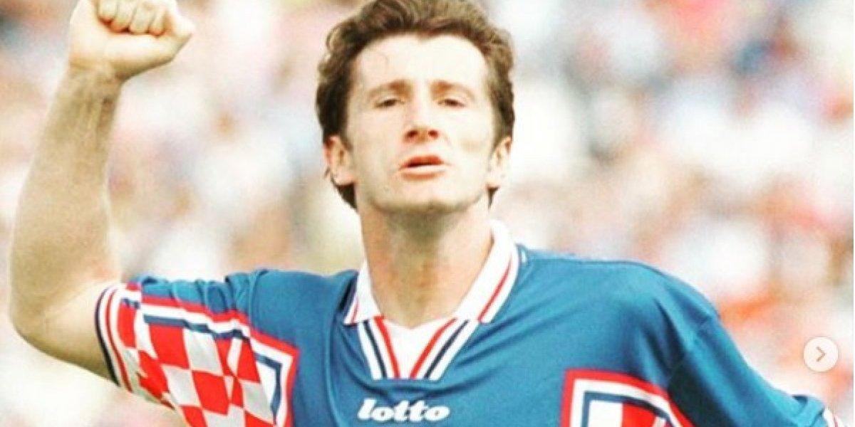 Jogador da Croácia coloca medalha da Copa do Mundo para leilão