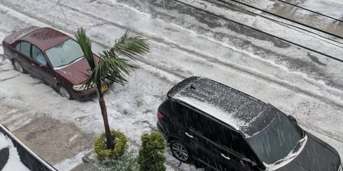 Fotos y videos: fuerte lluvia acompañada de granizo en Bogotá