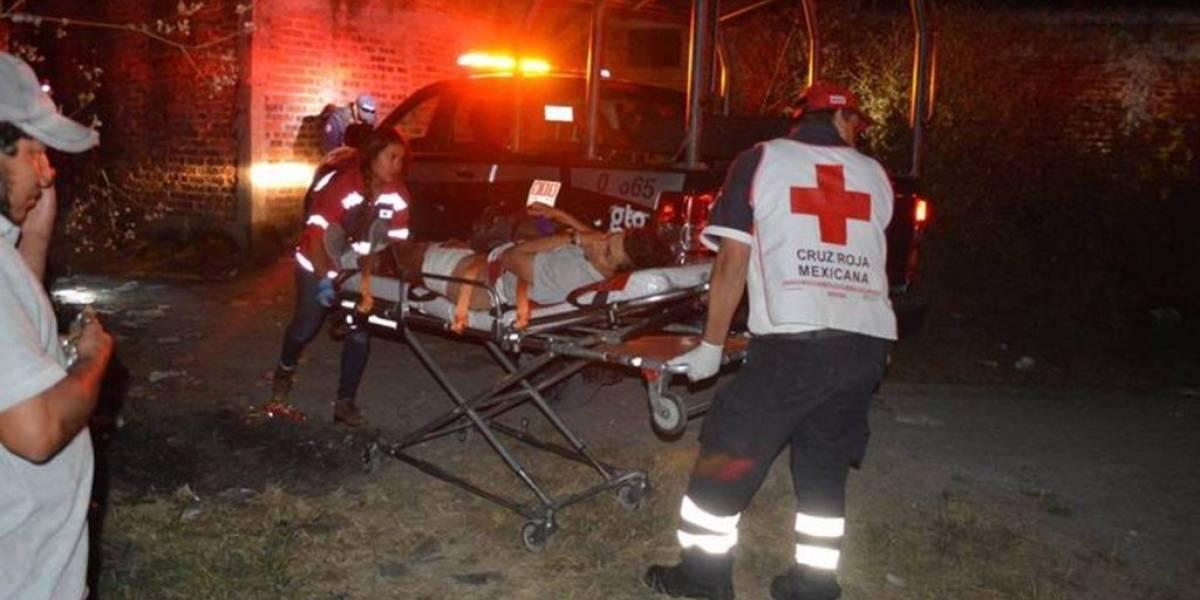 Suman 3 muertos por ataque en cancha de futbol en Guanajuato