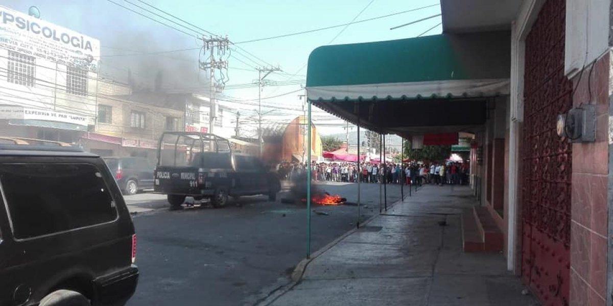 Camioneta atropella y mata a una niña en Los Reyes La Paz