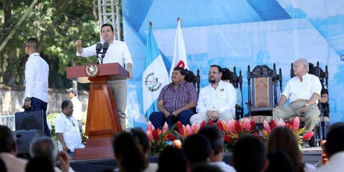 Presidente Morales critica a la Contraloría General de Cuentas