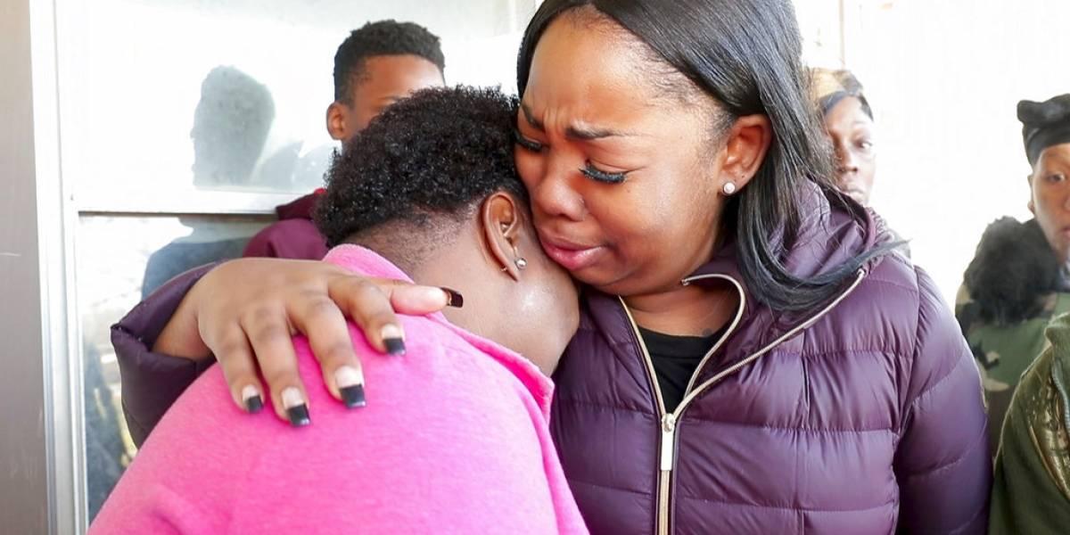 Una niña de 13 años que escribió un ensayo premiado sobre la violencia con armas de fuego fue asesinada por una bala loca