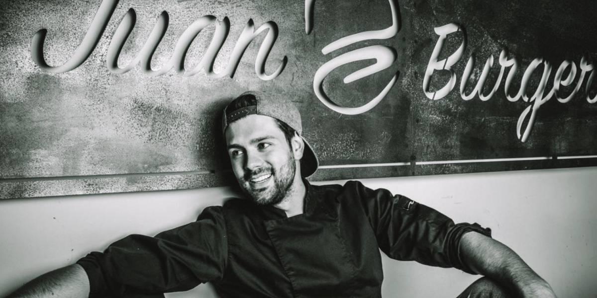 """""""La hamburguesa perfecta es la que se puede comer con la mano"""":  Juan Burgers"""