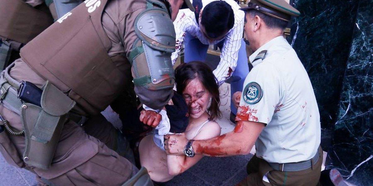 """""""Me desnudaron cuando me detuvieron"""": ex vocera de la Aces acusa a Carabineros de apremios tras protesta"""