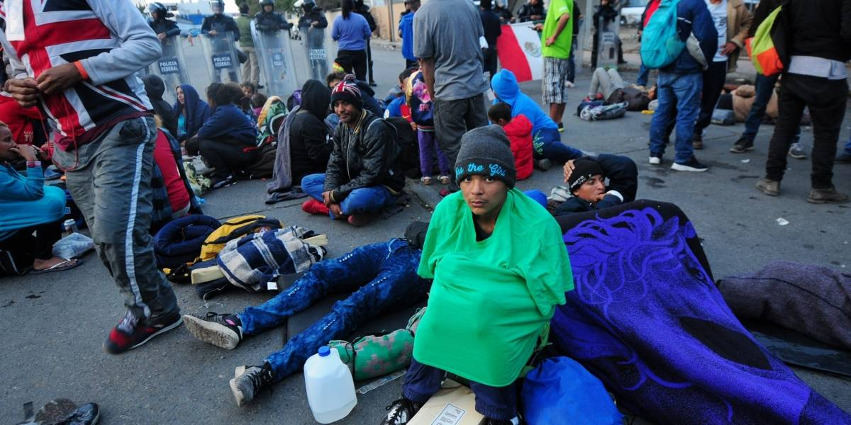 Alcalde de Tijuana declara crisis humanitaria por caravana migrante
