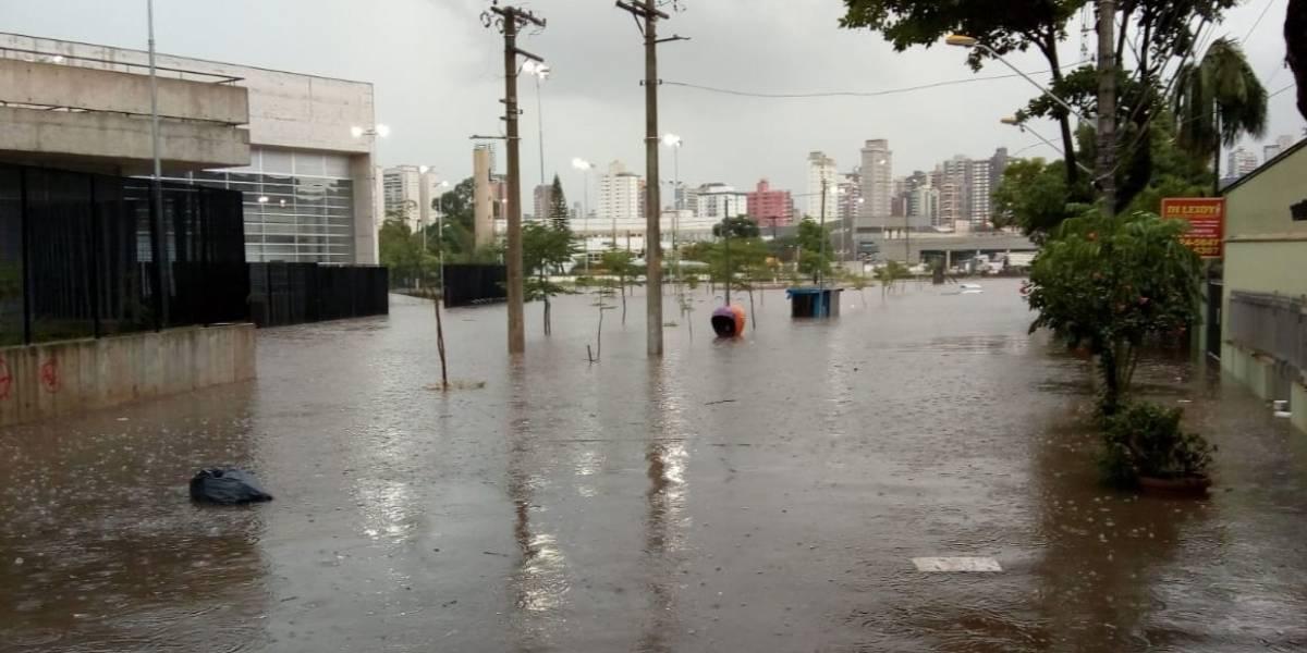Chuvas deixam São Paulo com quatro zonas em risco de alagamento