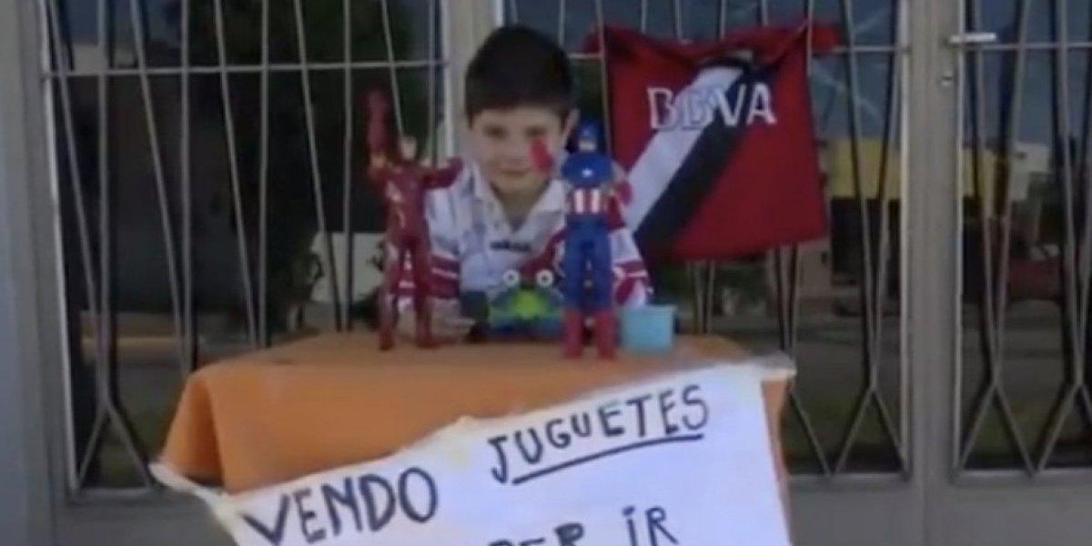 Niño que vendió sus juguetes para ir a la Copa Libertadores cumple su sueño
