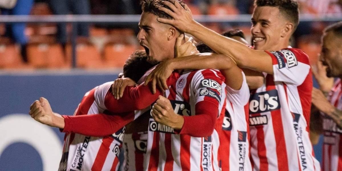 San Luis acaricia las semifinales al golear al Atlante