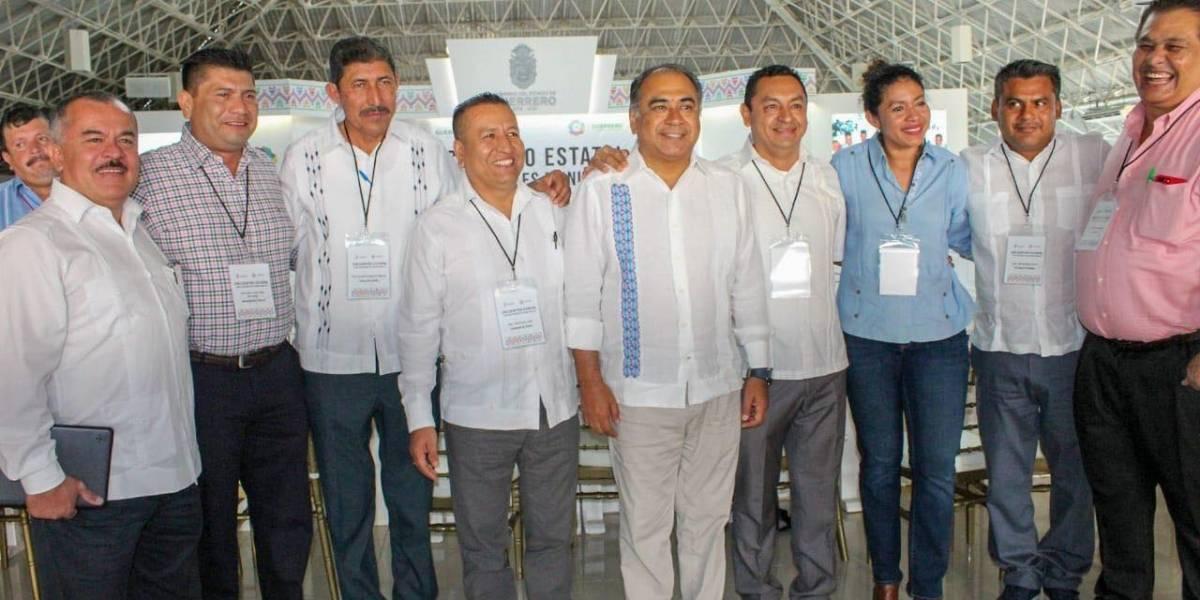 Respaldan alcaldes y alcaldesas labor de Héctor Astudillo