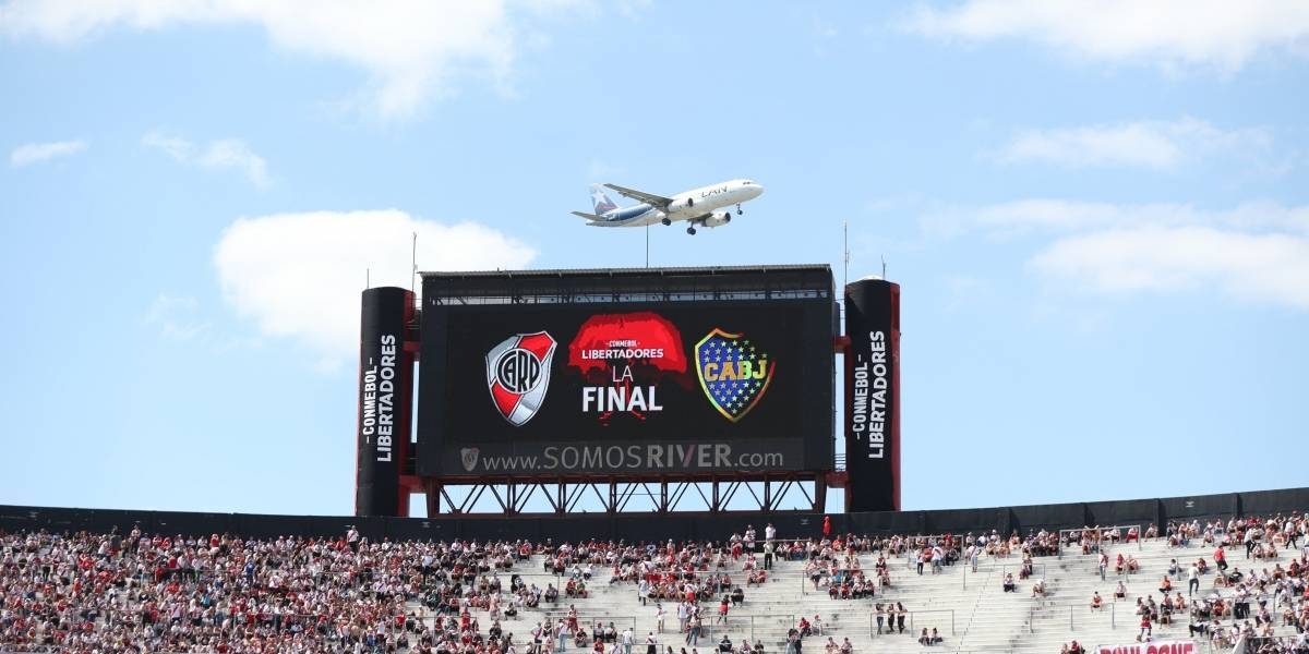 Se suspende la final de la Copa Libertadores entre River Plate y Boca Juniors
