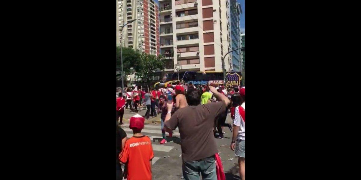 Así quedó el autobús de Boca Juniors tras agresiones de fanáticos de River