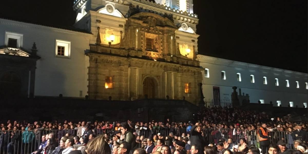 Plaza llena por el pregón de las Fiestas de Quito 2018