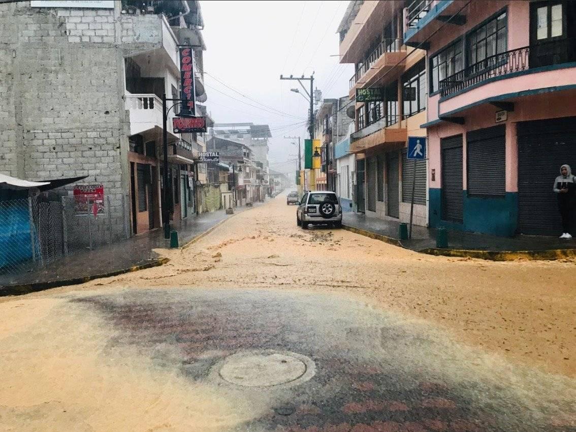 Lluvia torrencial en Limón Indanza causa destrozos y deslaves Twitter