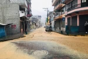 Lluvia torrencial en Limón Indanza causa destrozos y deslaves