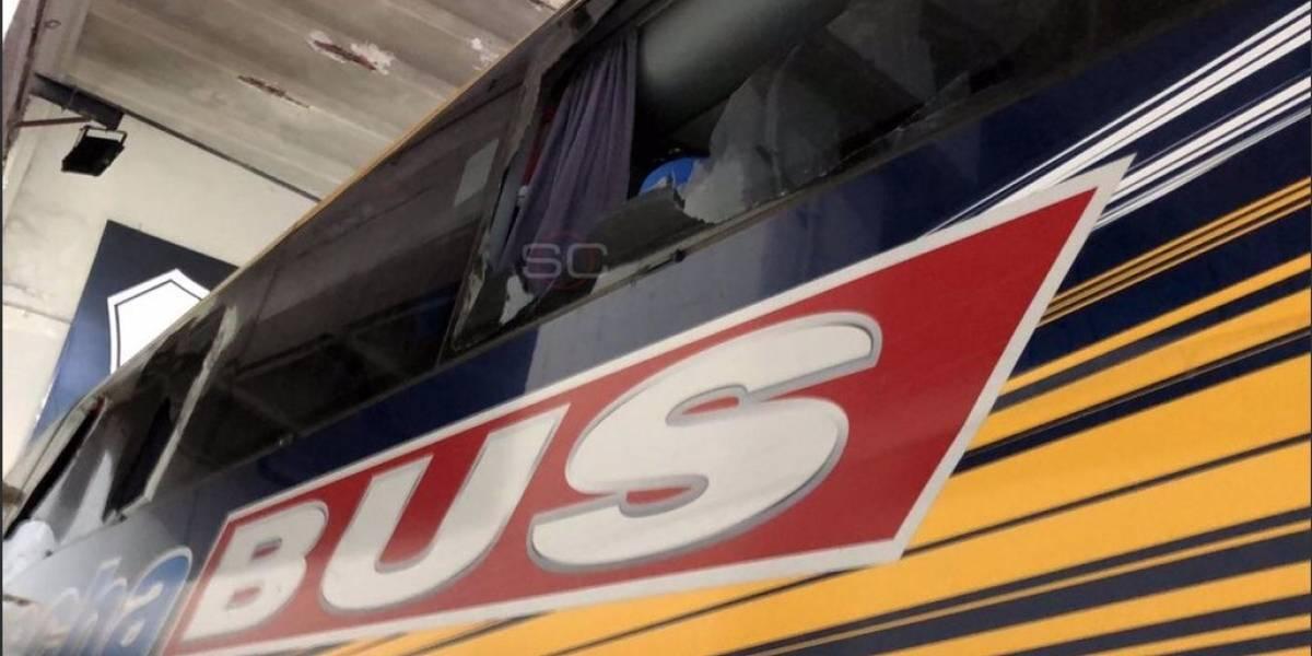 Bus de Boca Juniors fue agredido por hinchas de River Plate
