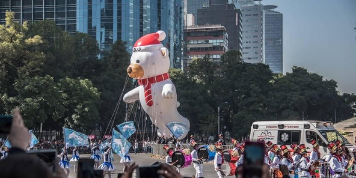 Asisten 300 mil a desfile navideño en Reforma