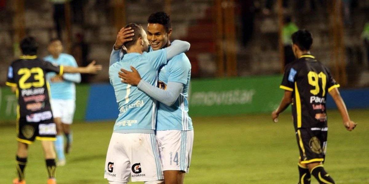 Mario Salas logró una goleada histórica con Sporting Cristal en Perú