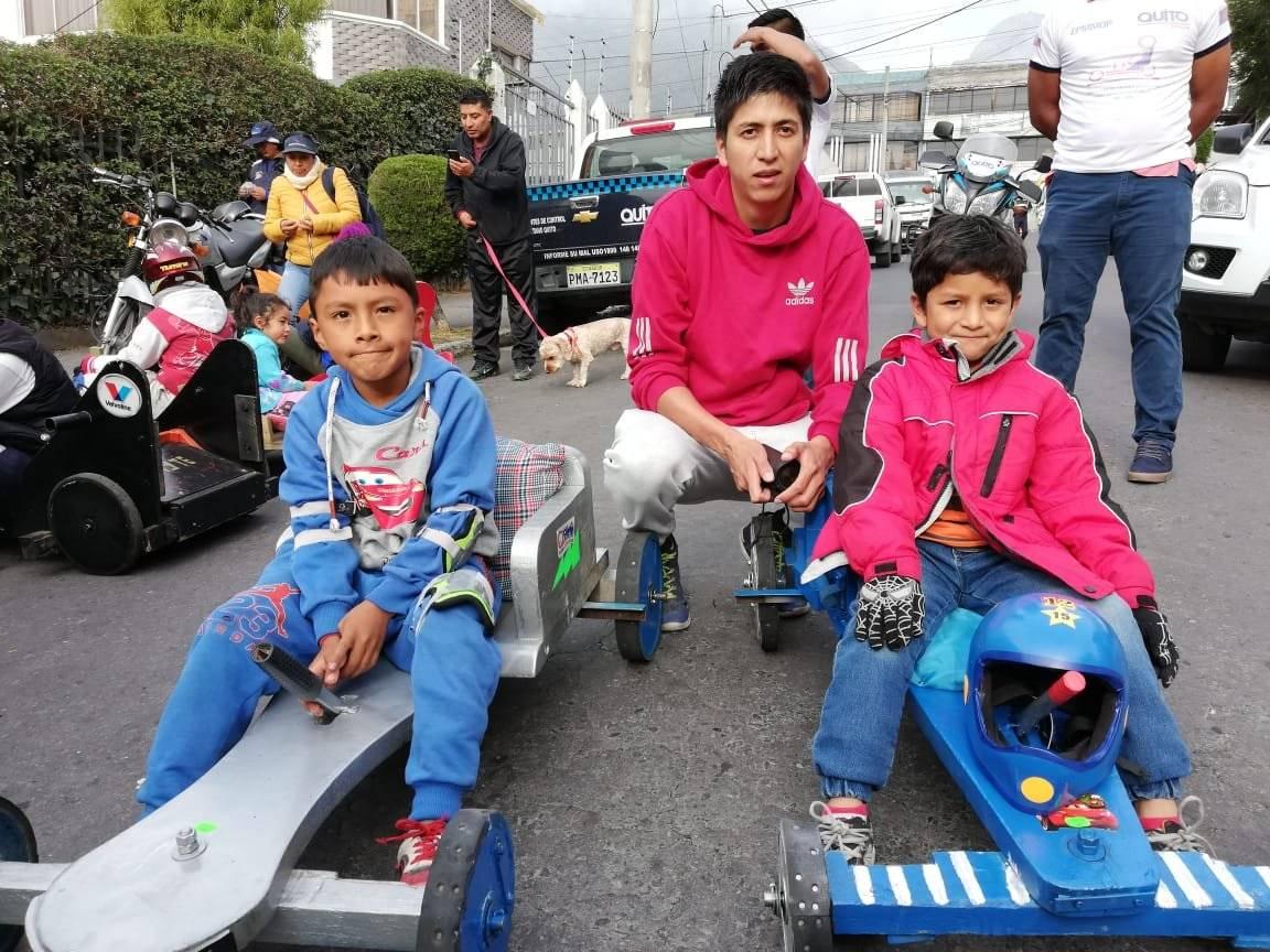 Así se vive la primera eliminatoria de coches de madera de niños