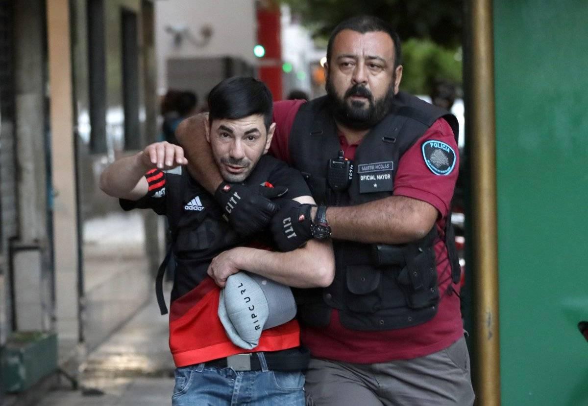 Torcedores foram detidos pelas forças policiais. REUTERS/ STRINGER