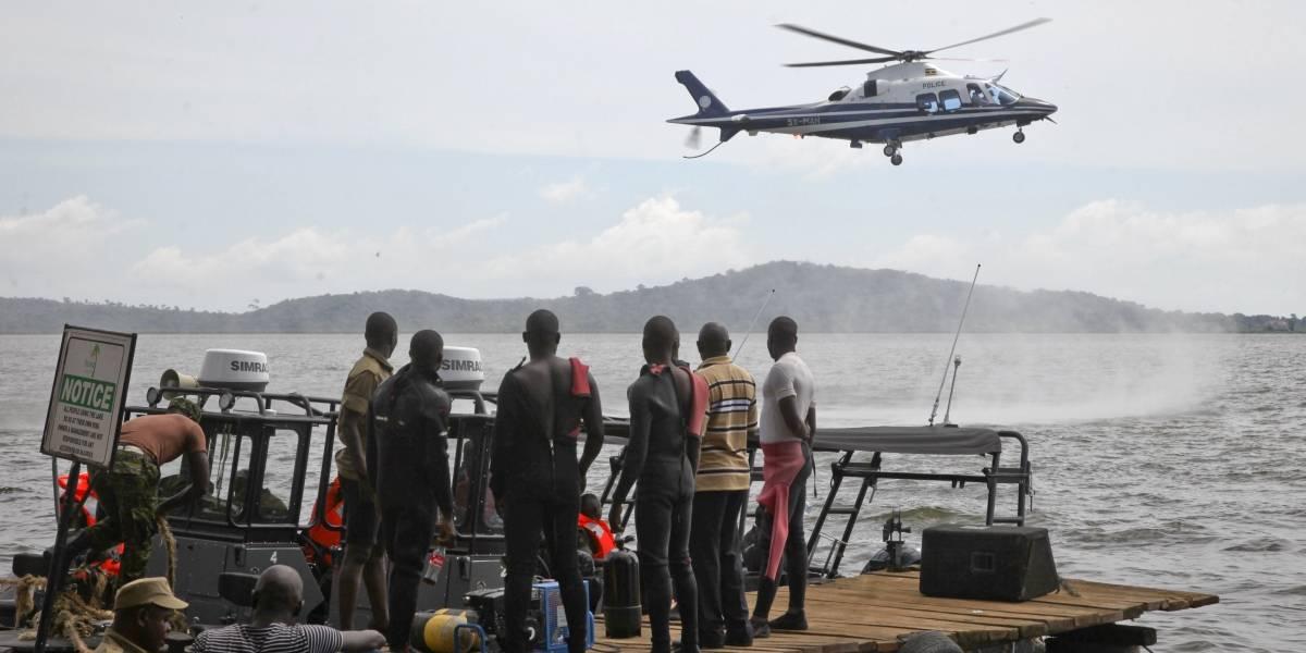 Mueren al menos 30 personas por naufragio en Uganda