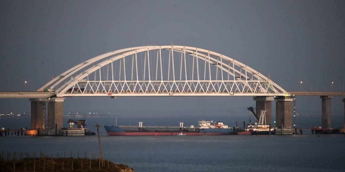 Ucrania acusa a Rusia de atacar un buque de su armada